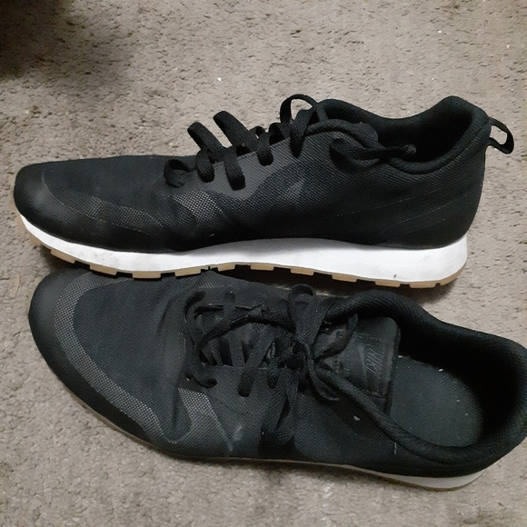Mañana Con fecha de Aniquilar  Nike Shoes | Nike Md Runner 2 9 Trainers Shoes Black Brown | Poshmark